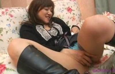 horny,hot milf,housewife,legs,masturbation,spreading,
