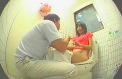 amateur,cam,hidden cams,toilet,