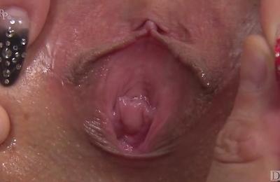 close up,fingering,fucked,masturbation,pussy,sex toys,