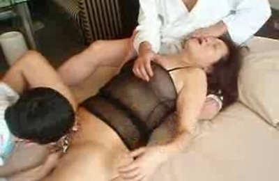group action,housewife,
