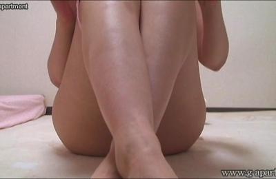 hidden cams,masturbation,voyeur,