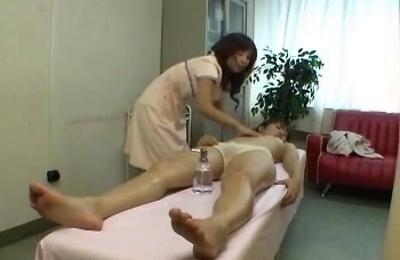 hidden cams,lesbians,massage,
