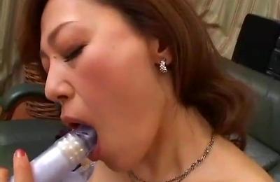 hot milf,housewife,masturbation,milf,vibrator,