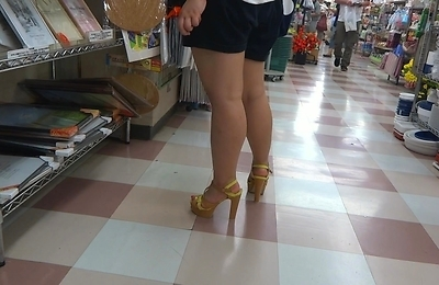 high heels,legs,sexy japanese,voyeur,