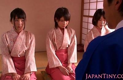 cumshots,face sitting,geisha,
