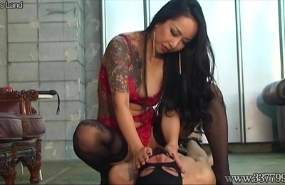 face sitting, slave,